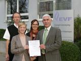 FamilienForschung und Energieversorgung Filstal  unterzeichnen Zielvereinbarung